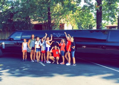 range-rover-limo-girls-party-norman